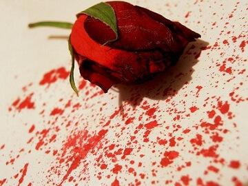 Khí hư có máu nguyên nhân do đâu? Có nguy hiểm không?